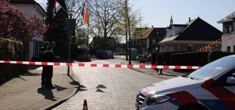 Mogelijk vliegtuigbom gevonden in achtertuin in Dinxperlo, politie doet onderzoek
