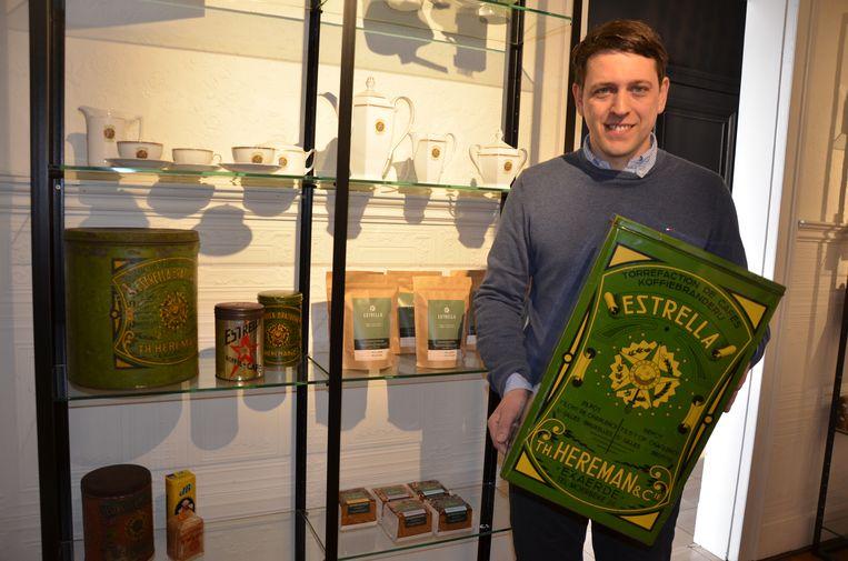 Jan D'Hollander blaast met zijn delicatessenzaak Jean. nieuw leven in het Eksaardse koffielabel Estrella.