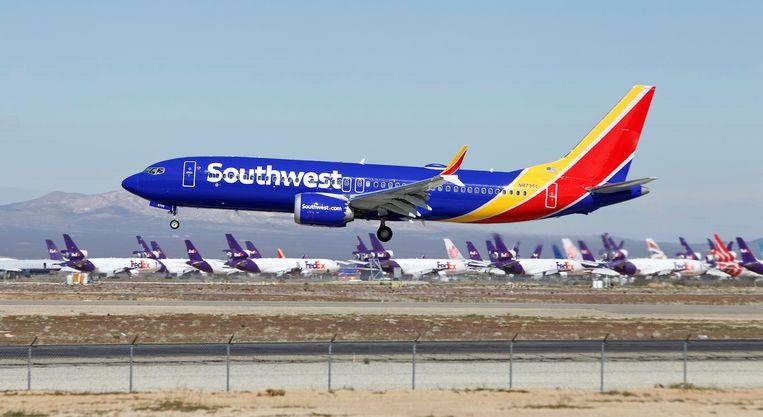 Een 737 Max van Southwest Airlines landt op een vliegveld in Californië. Beeld AP