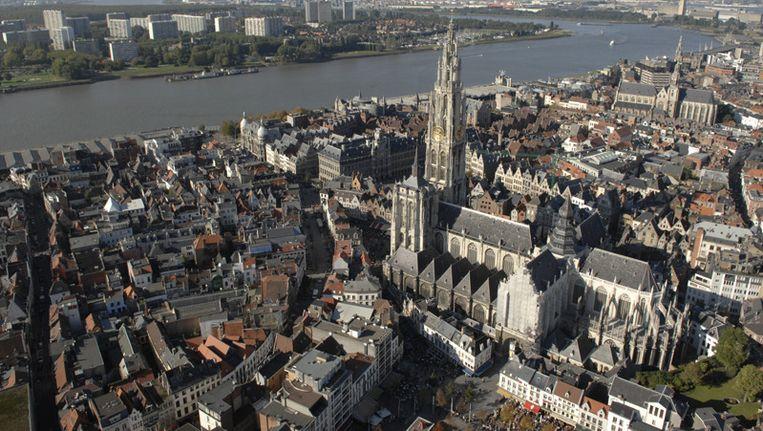 Ook in Antwerpen luiden morgen de klokken voor Franciscus. Beeld PHOTO_NEWS
