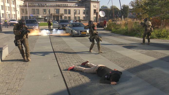 Verschillende interventie-eenheden gaven woensdag een demonstratie voor het hoofdkantoor van Europol in Den Haag. Het doel: meer samenwerking.