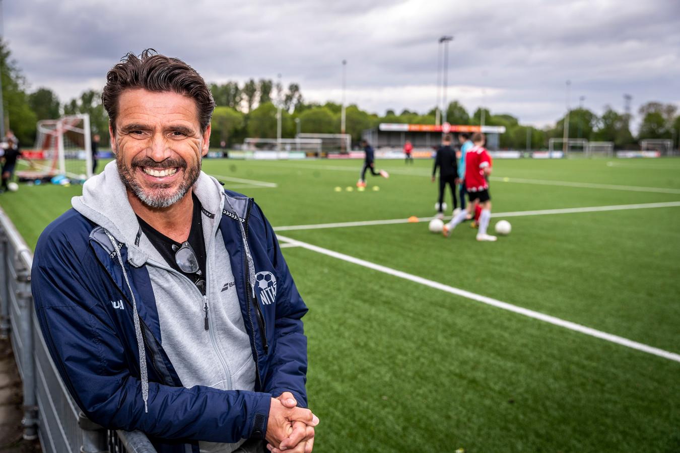 Mart van Duren is sinds vorig seizoen hoofd opleidingen bij Unitas'59, de club waar het voor de oud-profvoetballer van onder meer PSV ooit allemaal begon.