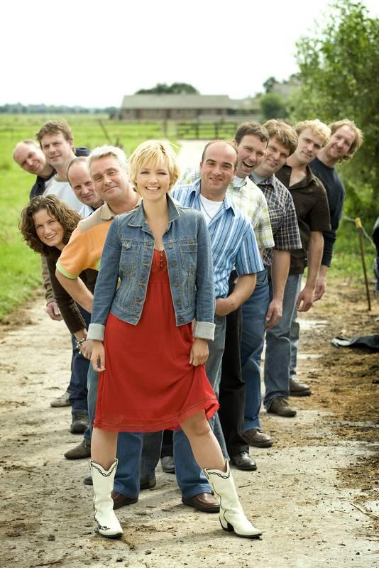 Yvon Jaspers met kandidaten uit het programma Boer Zoekt Vrouw editie 2007/2008.