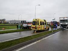 Automobiliste (28) overlijdt na aanrijding met vrachtwagen