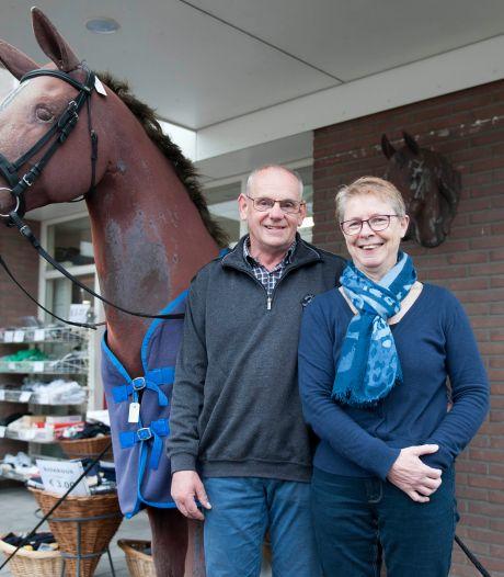 'Winkel met het paard' verdwijnt na 125 jaar uit Heetens straatbeeld