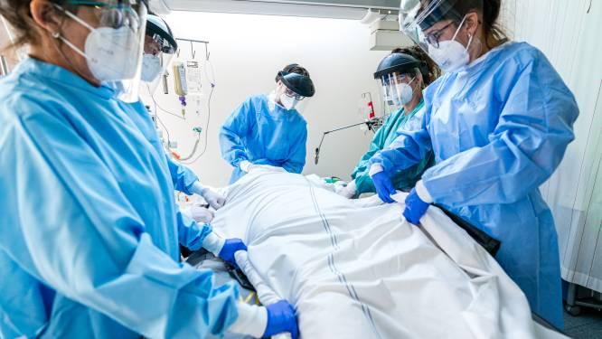 """Nederlands ziekenhuis deelt longscan van man die AstraZeneca weigerde en corona kreeg: """"Wanhoop stond in zijn ogen"""""""