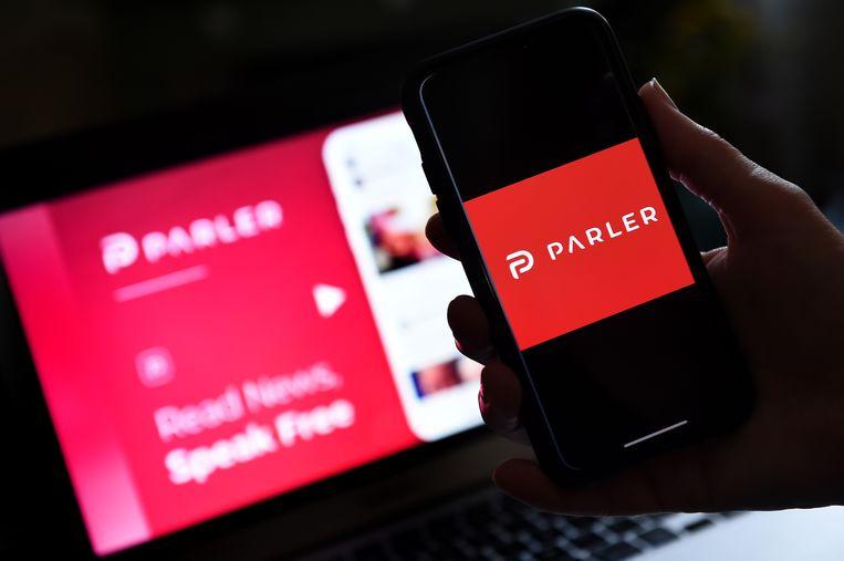 Parler werd in 2018 opgezet als een alternatief voor Twitter omdat dat medium zich schuldig zou maken aan censuur gericht tegen conservatieven in de VS.  Beeld AFP