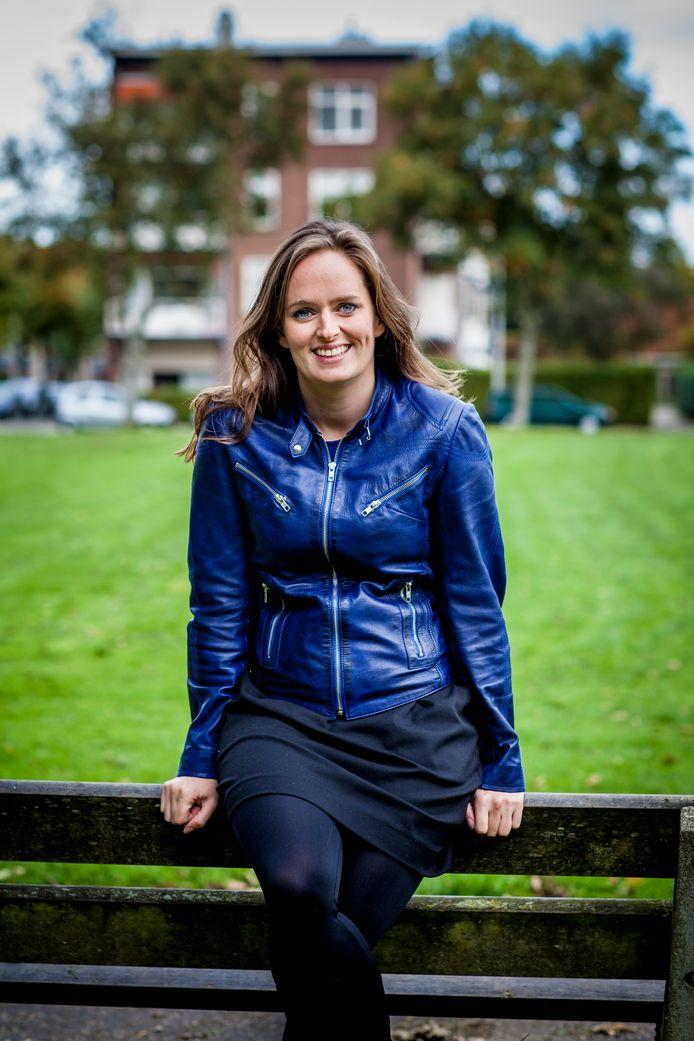 Marcia Nieuwenhuis is (onderzoeks)journalist voor het AD en de regionale dagbladen. Ze schrijft veel over corona.