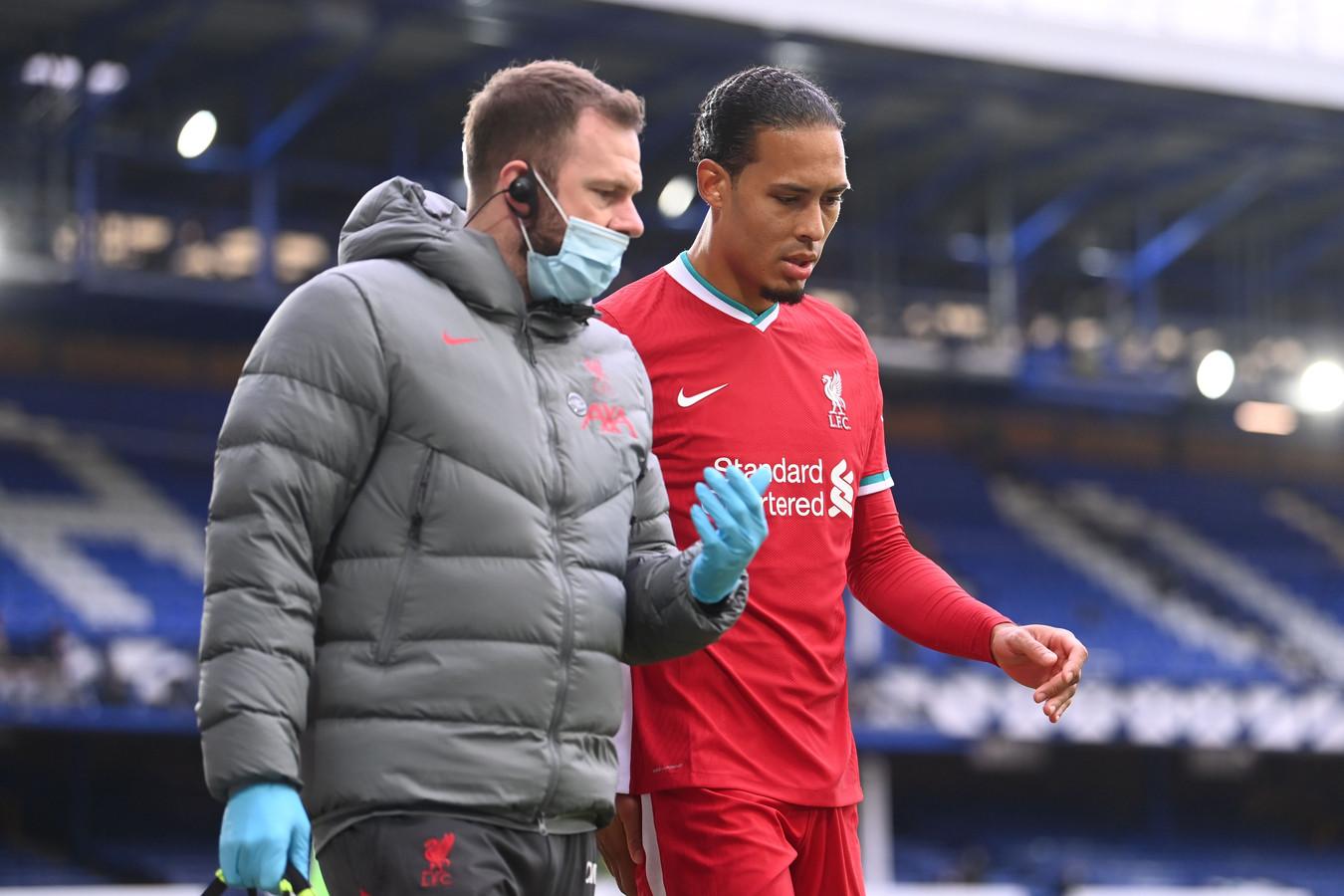 Ecarté des terrains depuis le 17 octobre, Virgil van Dijk manque énormément à Liverpool.