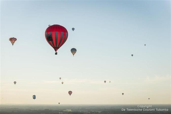 Twenteballooning op het Hulsbeek