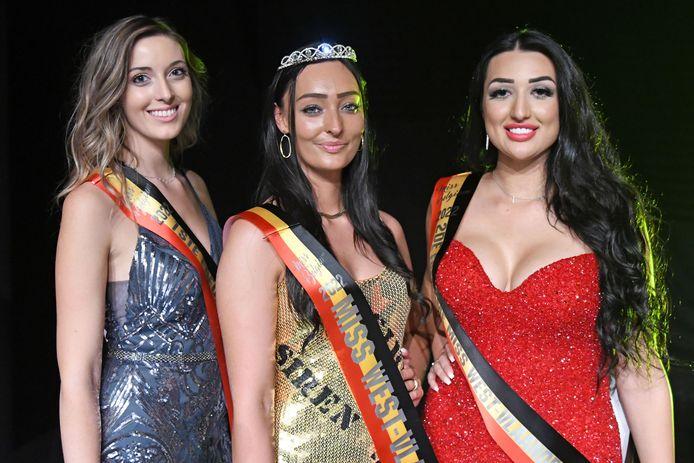 Gaëlle Sauvillers (23) uit Kortemark haalde het voor de eerste eredame Soraya Parreyn (links) uit Waardamme en tweede eredame Alana Hanegreefs uit Zuienkerke.