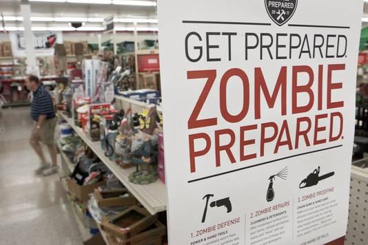 Onder het motto 'Don't be scared, be prepared' ('Wees niet bang, wees voorbereid') kwam een winkel in ijzerwaren en gereedschappen in Omaha, in de Amerikaanse staat Nebraska, vorig jaar met een Zombie Preparedness Center.