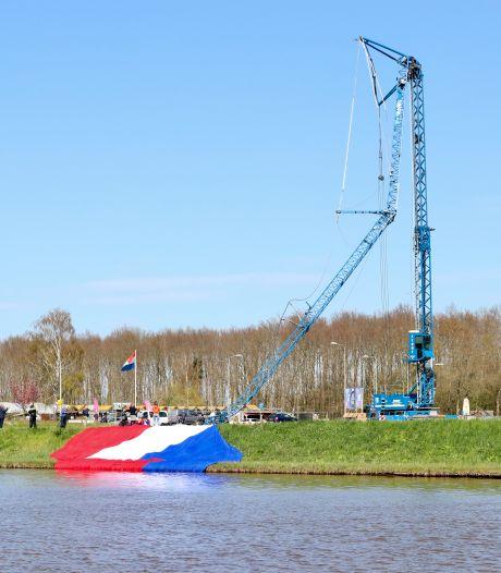 Eigenaar hijskraan na vlagdrama in Emmeloord: 'Schade erg groot, toedracht interessant'