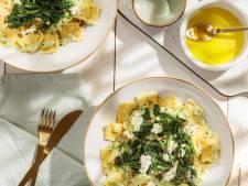 Wat Eten We Vandaag: Romige ravioli met spinazie en erwtjes