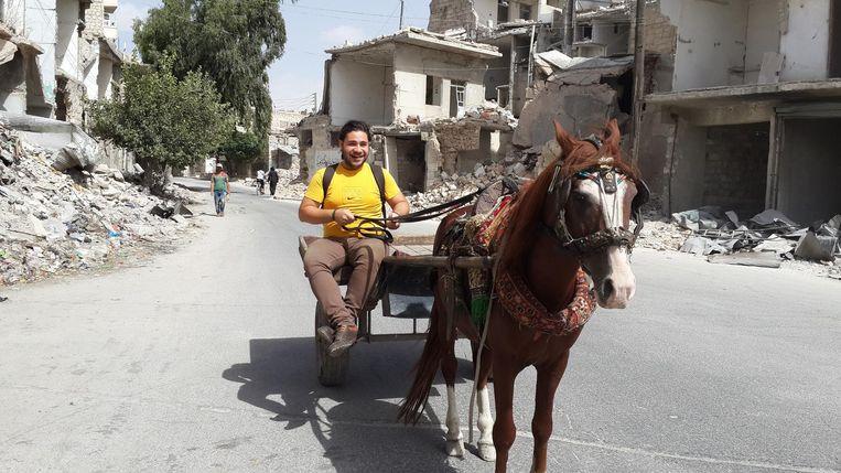 Op pad met paard en wagen. Beeld Hozaifa Dahmaan