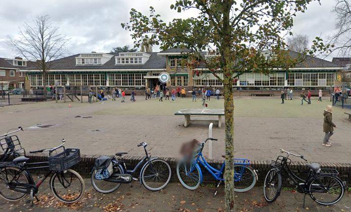 OBS Tuindorp is gesloten vanwege veel coronabesmettingen op school en in de wijk.