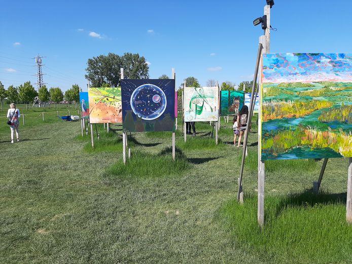 Het schilderskunstproject in Park Lingezegen is populair bij wandelaars en fietsers.