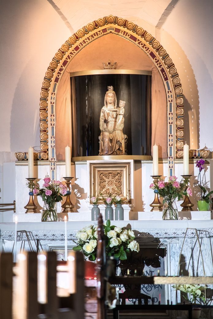 Het beroemde beeld van Maria van Renkum gaat op toernee en is straks drie maanden naar Nijmegen.