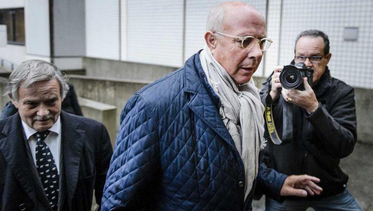 Ex-topman van woningcorporatie Rochdale, Hubert Mollenkamp, arriveert bij de rechtbank van Amsterdam tijdens de zittingsdagen in oktober. Beeld null