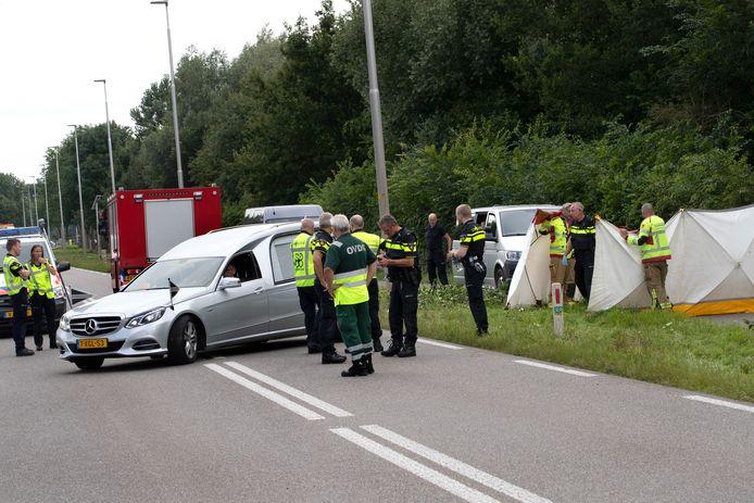 Eén van de vermiste vrouwen (19) is overleden bij het ongeluk op de Liemerseweg in Wehl.