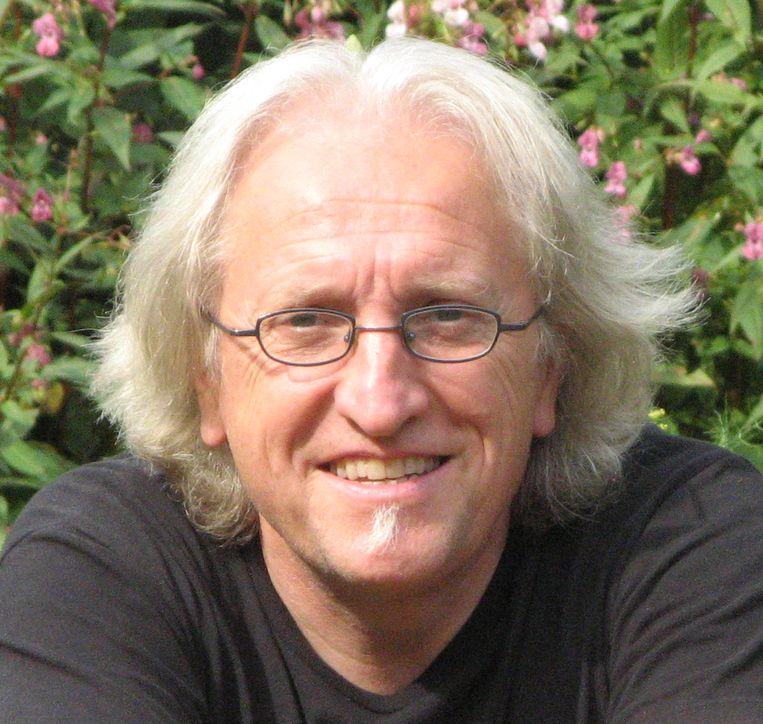 Marc de Bel leest zondag voor uit zijn boek 'Bukkie' in Horebeke.