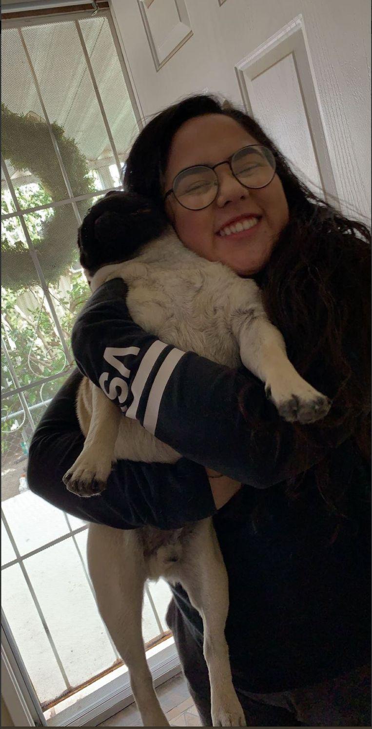 Melissa samen met puppy Andrew.