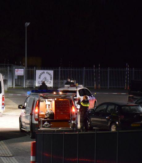 Justitie: Arnhemmer door gezicht geschoten bij ripdeal Anac, schutter raakte zichzelf in been