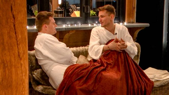 """Geslaagde date in 'Blijven Slapen' tussen Joachim en Michiel: """"Mama beloofd om geen seks te hebben op tv"""""""