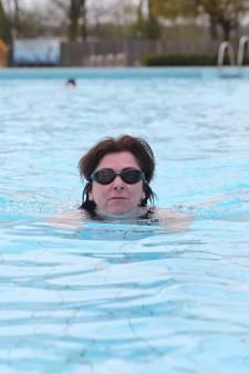 Buitenzwemmers: 'Je moet geen koukleum zijn, maar verder is het goed te doen'