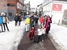 Een mistroostige carnavalszondag in Eindhoven: 'misschien kunnen we het in de zomer overdoen'