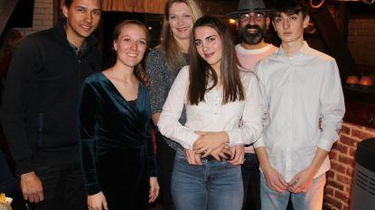 Nieuwe uitbaters voor De Wijmenier: Kathleen (44) en Turgay (43) nemen fakkel over van Astrid (27) en Yannick (33)