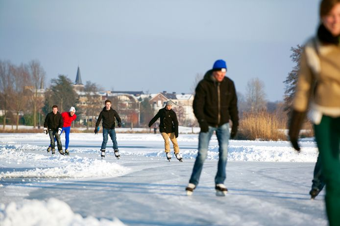 Op het Wijchens Meer werd in eerdere jaren een parcours van 400 meter uitgezet. De ijsbaan was dan ook 's avonds geopend. Dat zal dit jaar waarschijnlijk niet zo zijn.