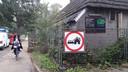 In april 2016 werd de boerderij aan de Rijksweg in Helvoirt al een keer eerder geramd. Toen ging het om een ongeluk. De eigenaar kreeg voor de gein een verkeersbord cadeau: verboden deze woning te rammen.