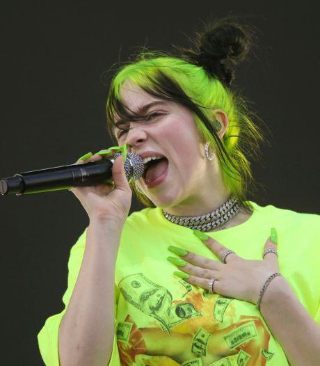 Billie Eilish dit adieu à ses cheveux noirs et verts