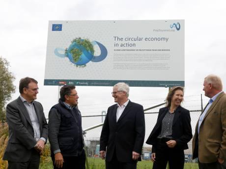 In Terneuzen komt de eerste en enige proeffabriek voor het recyclen van 'bouwpiepschuim'