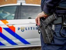 Zwaargewonde man gevonden in auto in Rotterdam