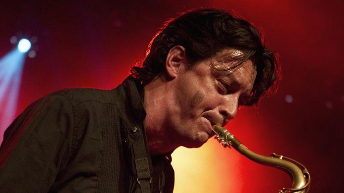 De Nederlandse saxofonist Yuri Honing tijdens North Sea Jazz. Hij komt samen met Wolfert Brederode naar Haps.