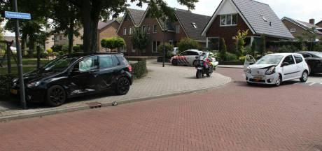 Eén gewonde bij ongeval op kruispunt in Holten
