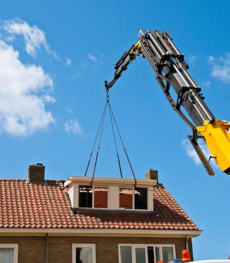 Dakkapel op je huis? In Tiel is de vergunning nu ruim 20 procent duurder, in Buren betaal je het meest