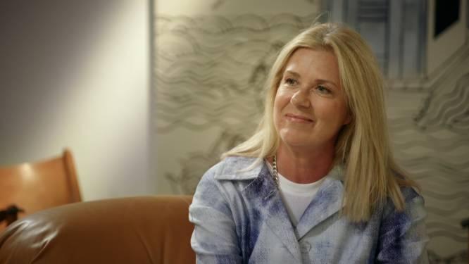 """Barbara Sarafian verkoopt in 'Stukken Van Mensen' stukje familiegeschiedenis: """"Ik kom hier met een bang hartje"""""""