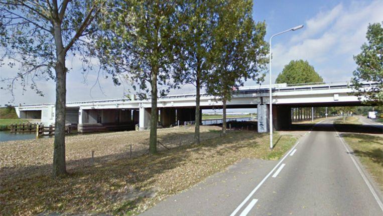 De Ir. Hamersbrug bij Oosterhout. Beeld GOOGLE STREETVIEW