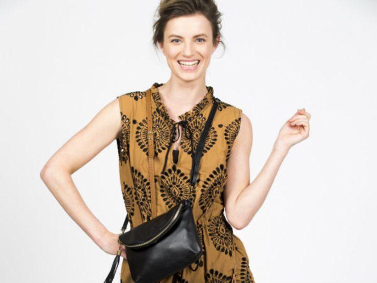 Klassiek zwart, chique cognac of zomers geel: in onze shop vind je altijd wel een tas die bij je past.
