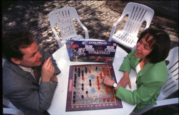 Een game als Stratego zal binnenkort ook elektronisch gespeeld kunnen worden. Beeld UNKNOWN