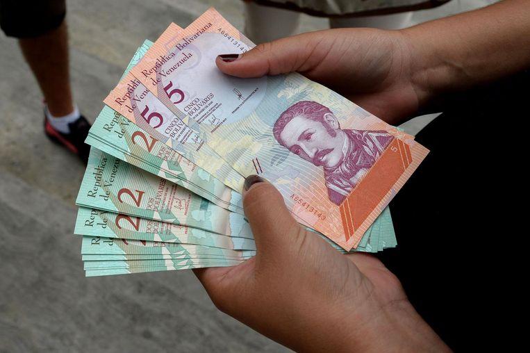 De vorige bankbiljetten die werden uitgegeven in augustus vorig jaar.