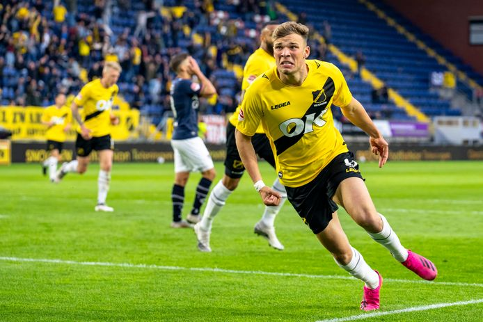 Sydney van Hooijdonk verruilde NAC deze zomer in voor Bologna.