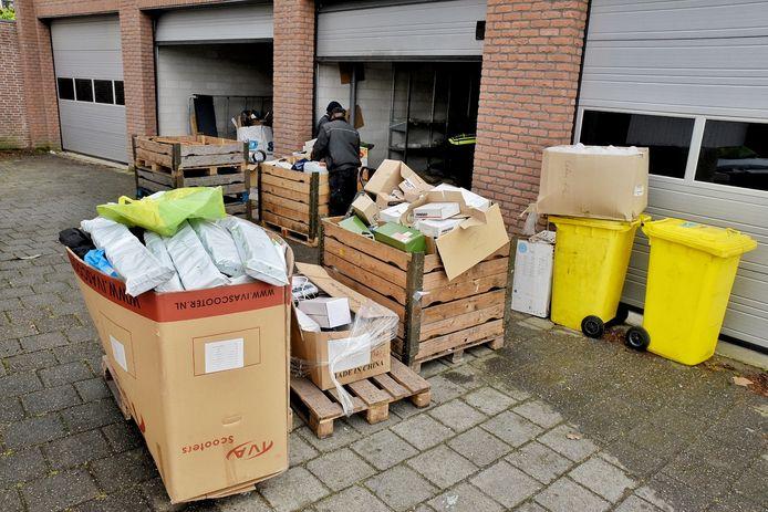 Spullen voor hennepteelt gevonden in Tilburg