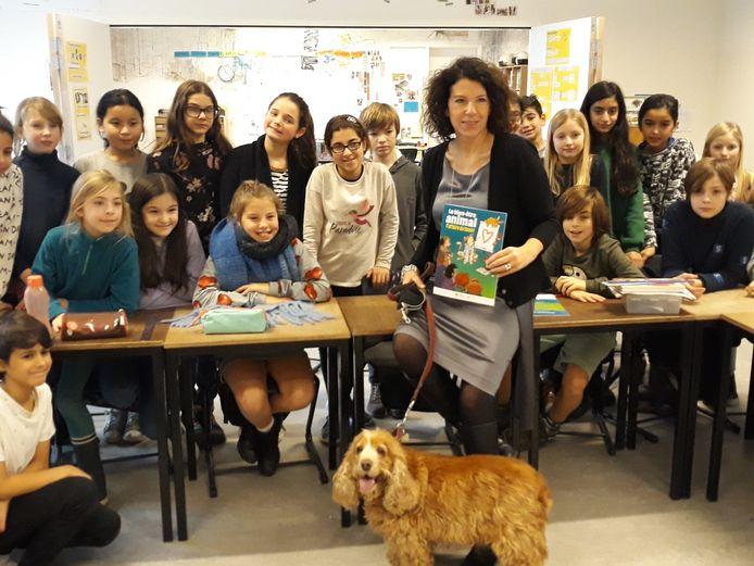 Bianca Debaets op bezoek in de basisschool Sint Lukas in Schaarbeek