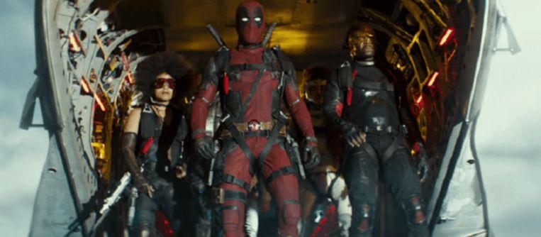 Cable en Domina met Deadpool.
