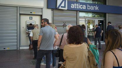 Grieken halen opnieuw miljarden af van bankrekeningen