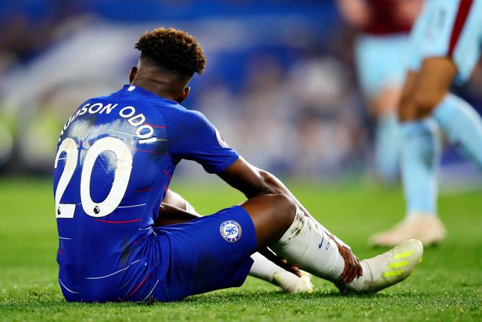Callum Hudson-Odoi viel geblesseerd uit bij Chelsea in de wedstrijd tegen Burnley.